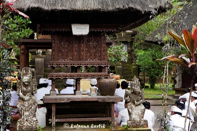 The wooden shrine dedicated to the Goddess of Prosperity at the Pura Luhur Batukau