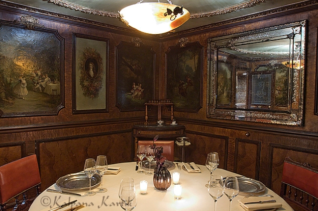 "The ""salon particulier"" on the first floor of Lapérouse restaurant"