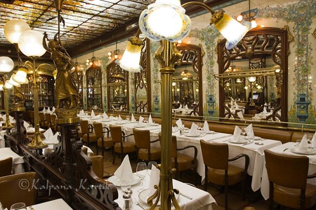 The charming Montparnasse 1900