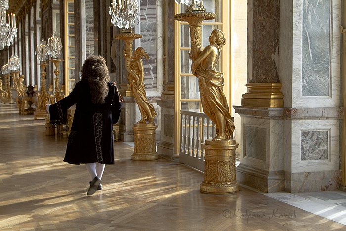 The King dances  in the Hall of Mirrors Versailles