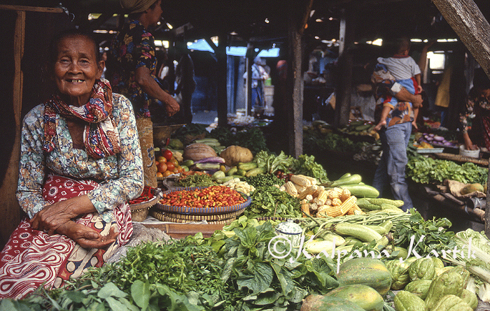 vegetable seller in a traditional Javanese market