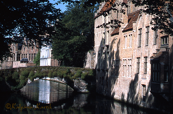 The 15th century Meebrug arched stone bridge, the oldest bridge in Bruges, Belgium