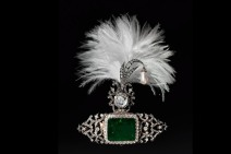 Turban decoration 1900 clip Cartier set in gold, diamonds, pearls and emeralds The Al Thani collection