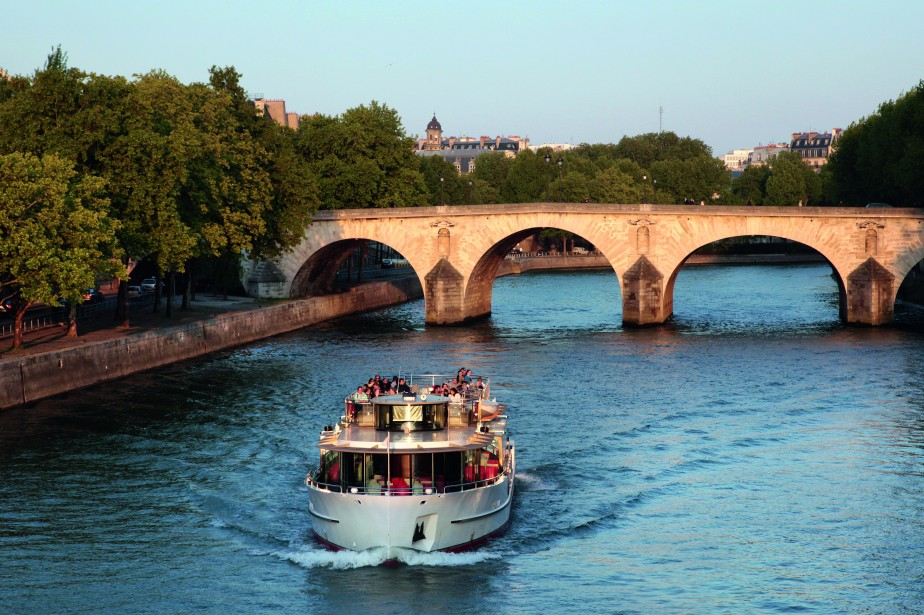 pont-marie-paris-france-all-year